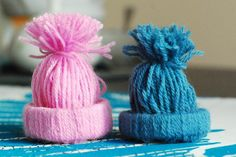 Czapka z wełny i rolki / Winter Hat from wool and roll Pom Pom Crafts, Quilling, Winter Hats, Wool, Create, Handmade, Diy, Craft Ideas, Education