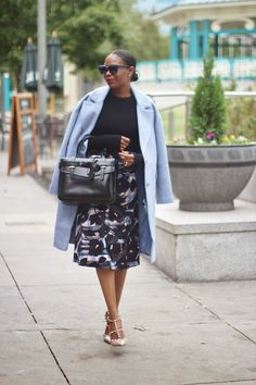 FALL IN BLACK AND BLUE BY AWED BY MONICA http://awedbymonica.blogspot.com/2014/11/blue-coat-midi-skirt.html zara, crop top, holidayfashion, ASOS, ASOS SKIRT, ASOS MIDI SKIRT, HOLIDAY SKIRT, MIDI SKIRT, asos, valentino SHOES, REED krakoff bag, REED KRAKOFF,  boxer, boxer bag, FASHON, STYLE, FASHION BLOG, FASHION BLOGGER, F BLOGGER, STYLE BLOG, STYLEBLOGGER, STYLIST, STYLISH, STREETSTYLE, PERSONAL STYLE, PERSONAL STYLE BLOGGER, BLOGGER, BLOG, INSTA STYLE, OOTD, HOLIDAY STYLE,