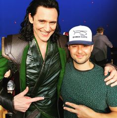 "First look at Loki's costume in ""Thor : Ragnarok"" Tom Hiddleston From http://tw.weibo.com/torilla/4015095674266514 via https://www.instagram.com/juanmiguel_pfa"