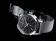 Avec son boîtier d'un diamètre de 38mm, la nouvelle montre Breitling Transocean 38 s'adaptera à tous les poignets. Et toujours avec classe.