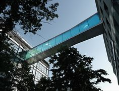 Image 3 of 17 from gallery of Bridge in Vienna / SOLID architecture. Photograph by Günter Kresser Sky Bridge, Arch Bridge, Pedestrian Bridge, Wood Architecture, Architecture Details, Stair Ladder, Bridge Structure, Sky Walk, Construction Cost