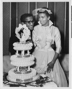 Photograph of Sammy Davis, Jr. and Loray White at their wedding, Las Vegas, January 1958 Wedding Sand, Wedding Pics, Wedding Couples, Wedding Cakes, Wedding Gowns, Married Couples, Bridal Gowns, Celebrity Wedding Photos, Celebrity Couples