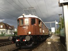 Notre collection Locomotive, Trains, Le Locle, Construction, Collection, Red Arrow, Building, Locs, Train