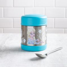 Keep lunch cold for Elsa or hot enough to melt Olaf! The Thermos double wall stainless steel vacuum insulated construction ensures maximum temperature retention for hot or cold food. With a twist on lid and wide mouth opening the funtainer is easy to fill but won't accidentally spill in your lunch bag! Jar Storage, Food Storage, Cold Food, Knife Block Set, Cold Meals, Bakeware, Olaf, Kitchen Gadgets, Lunches