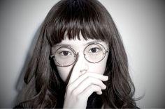 シースルーバングに対抗!!最近『眉上ザクザクバング』がキテる♡【春にピッタリなピュア感♪】 | GIRLY