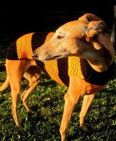 Dog sweater-hand knit dog sweater/all size dog coat/greyhound sweater/whippet sweater/pitbull coat/Shih tzu sweater/Pug coat/daschund coat - pinned by pin4etsy.com couchpotatodogknits.etsy.com