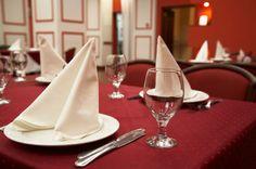 Aria obrusy i serwetki. Obrusy i serwety wykonane z plamoodpornej tkaniny z wykończeniem DuPont. #gastronomia #tablecloth #napkins #restaurant