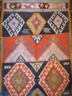 i just love a good kilim rug