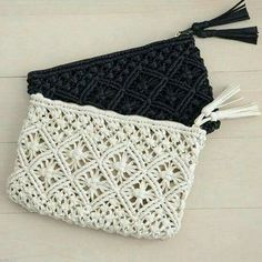 Discover thousands of images about Astonishing Cool Ideas: Hand Bags Leather Christmas Gifts hand bags storage ideas hooks. Macrame Purse, Macrame Art, Macrame Projects, Macrame Knots, Macrame Jewelry, Crochet Clutch, Crochet Handbags, Crochet Purses, Bag Patterns To Sew