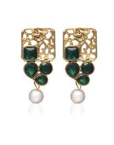 Buy best beauty kits, Fashion Jewellary online: Pearls Earrings
