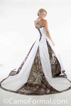 Cheap New Camo Wedding Dress Lace Straps Criss Cross Backless White Camouflage Ball Gown Bridal Dress Chapel Train Custom Made