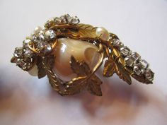 STUNNING CLASSIC MIRIAM HASKELL VINTAGE CLIP EARRINGS