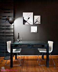 Mesa Simples e elegante com palete de madeira
