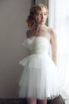構築的デザインx優しげチュール♡ キュートな花嫁衣装・ウェディングドレスの参考一覧。素敵な花嫁衣装まとめ。