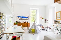 This lovely family loft-style apartment, sleeping up to 4 adults and 3 babies, is a short hop from the Trevi Fountain and is filled with toys, books and artwork to inspire the younger members of your family