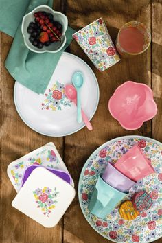 Melamine tumblers and crockery to eat your food on the go with no breakages #matchmade
