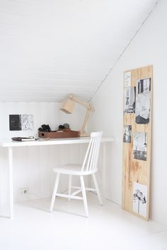 moodboard on wood Home Office Inspiration, Workspace Inspiration, Nordic Interior Design, Interior Decorating, Office Workspace, Small Workspace, Office Nook, Attic Office, Desk Space