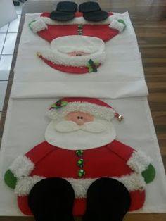 Aprende cómo hacer un hermoso camino de mesa con muñecos de santa claus ~ Haz Manualidades Christmas Wood Crafts, Christmas Table Decorations, Felt Christmas, Christmas Stockings, Xmas, Holiday Decor, Crochet Tree, Penny Rugs, Homemade Gifts