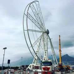 Buongiorno e della ruota panoramica alta 52 metri che sarà collocata durante le Luci d'Artista nel sotto piazza della Concordia ne vogliamo parlare? Seguiteci per rimanere sempre aggiornati!