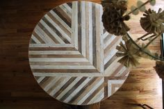 Amazing and beautiful table from Ariele. This girl is so so talented. Explore and love her wooden creations. Found here: http://brooklyntowest.blogspot.com/2012/04/make-it-round-and-wrap-it-up.html