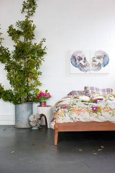 home of Kirra Jamison & Dane Lovett on the design files Home Interior, Interior And Exterior, Interior Decorating, Decorating Ideas, Decor Ideas, Home Living, My Living Room, Melbourne House, The Design Files