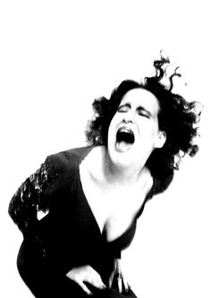 Bette Midler, 1971, photographed by Richard Avedon