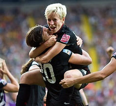 Oh this is a beautiful thing.... Megan Rapinoe and Abby Wombach.... mmmm <3