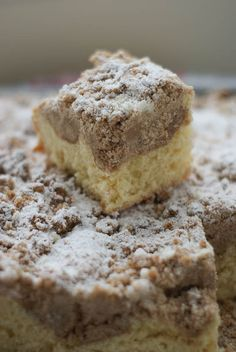 German Crumb Cake: Traditional bun dough is a soft yeasted dough so it's a little different from the sponge cake version you might be familiar with and is the perfect backdrop to a whole lotta crumbs! Cupcakes, Cupcake Cakes, Baby Cakes, Just Desserts, Dessert Recipes, Health Desserts, Cake Boss Recipes, German Baking, Brownie