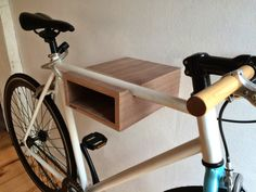 Wall mount for road bike or fixie bike. Easy to use and wall assembly. Including wall attachment Maximum length of handlebar 48 cm Dimensions: 30 cm deep 24 cm wide 11 cm tall Materials used: Multiplex walnut furnates Bike Hanger, Bike Rack, Bike Storage Wood, Bike Wall Mount, Bike Storage Solutions, Walnut Veneer, Wood Design, Home Projects, Easy