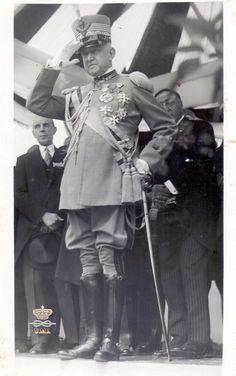 S.A.R. Emanuele Filiberto di Savoia Duca Aosta al V° Congresso Nazionale dei Bersaglieri in Congedo