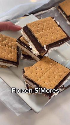 Frozen Desserts, Easy Desserts, Frozen Treats, Fun Baking Recipes, Sweet Recipes, Muffins, How Sweet Eats, Desert Recipes, Sans Gluten