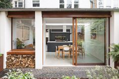 Fromhouzzuk took cues from Japanese aesthetics to provide a calm living space when extending this mid-terrace family home. House Design, House, Aesthetic Space, Home, Living Spaces, House Inspiration, New Homes, House Extension Design, Victorian Terrace
