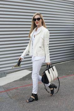 Pin for Later: Das sind die 21 am besten gekleideten Frauen der Fashion Week Joanna Hillman Wer sie ist: Modejournalistin bei Harper's Bazaar. Was ihren Stil ausmacht: Ihre Looks sind oft minimal mit einem luxuriösen Finish.