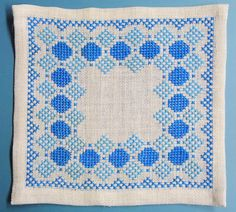 X-small exellently done vintage 1950s handmade by NORDICARTLINENS
