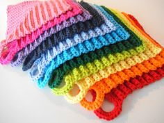 Apple Blossom Dreams: Stash-Buster - A Rainbow of Dishcloths <- hey what about these for dish cloths? And it has a pattern too! Mode Crochet, Crochet Home, Knit Or Crochet, Learn To Crochet, Crochet Crafts, Crochet Geek, Love Knitting, Knitting Patterns, Crochet Patterns