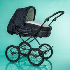 Ist der neue all Black von Hesba nicht ein Traum? #hesba #baby #kinderwagen #unterwegs #kinder #eltern @storchenstube Baby Strollers, Children, Shopping, Parents, Kids Wagon, Baby Prams, Young Children, Boys, Kids