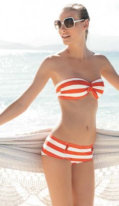 summer sandal style guide Bikini top with a high-waisted skirt - perfect summer outfit! Bikini by Marc Jacobs Sexy Bikini, Bikini Bandeau, The Bikini, Coral Bikini, Bandeau Tops, Daily Bikini, Orange Bikini, Women Bikini, Bikini Swimsuit