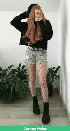 Black hoodie with denim ripped shorts, oversized fishnet tights & platform boots. - Black hoodie with denim ripped shorts, oversized fishnet tights & platform boots. Hipster Outfits, Edgy Outfits, Mode Outfits, Korean Outfits, Girl Outfits, Fashion Outfits, Fashion Boots, Fashion Ideas, Cute Grunge Outfits