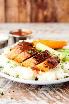 Buffalo Chicken - Baked Chicken in a Homemade Buffalo Sauce Lunch Recipes, Appetizer Recipes, Breakfast Recipes, Dinner Recipes, Dessert Recipes, Appetizers, Easy Recipes, Baked Chicken, Chicken Recipes