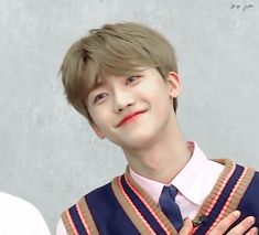 🍭 from the story · Kpop Reactions by (Hye 🌙) with reads. 🍭 Na Jaemin es el tipo de novio. Taeyong, Kpop, First Love, Love At First Sight, Nct Dream Jaemin, Random Gif, Best Duos, Na Jaemin, Winwin