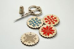 Wooden cross stitch blanks snowflake pattern Scandinavian style Geometric redwork ornament for embroidery Christmas design DIY gift