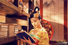 The Empress of China 武则天 Wu Zetian cast Fan Bingbing (in the titular role from the energetic, playful younger version Wu Mei Niang to Geisha, Wu Zetian, The Empress Of China, Fan Bingbing, Old Fan, Chinese Movies, Races Fashion, Kanzashi, Beautiful Costumes