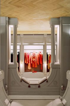 Viktor & Rolf upside down store in Milan. Creative retail - We love shops and shopping seanmurrayuk.com & www.facebook.com/shoppedinternational