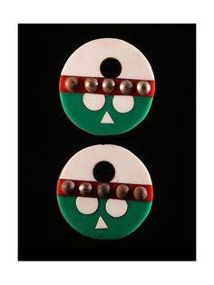 Disques d'oreilles Iziqhaza - Zoulou - Afrique du Sud / Bostwana Triangles, Culture Art, Lobe, Ear Plugs, African Art, Christmas Ornaments, Holiday Decor, Hats, Creative