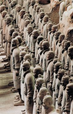 """4.11 """"Soldiers from mausoleum of Emperor Qin Shi Huangdi"""", c. 210 BCE…"""