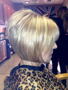 Inverted blond bob with strawberry blond low lights