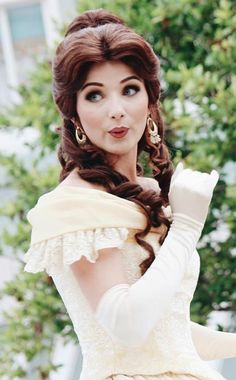 Disney Character Cosplay Surprised Belle beauty and the beast Disney World Princess, Disney Princess Makeup, Disneyland Princess, Disney World Characters, Disney Princesses And Princes, Belle Cosplay, Disney Cosplay, Disney Tees, Disney Parks
