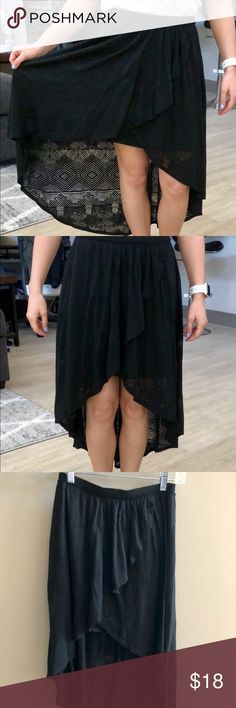 High-low skirt High in the front to longer in the back skirt. Black with fun print on outer layer, when sun or light catches it you can see it perfectly! American Eagle Outfitters Skirts High Low