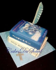 journal-book-and-bible-cake