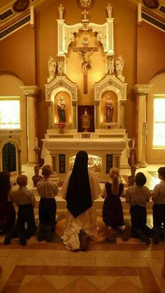 ~Teaching children the adoration of the Blessed Sacrament